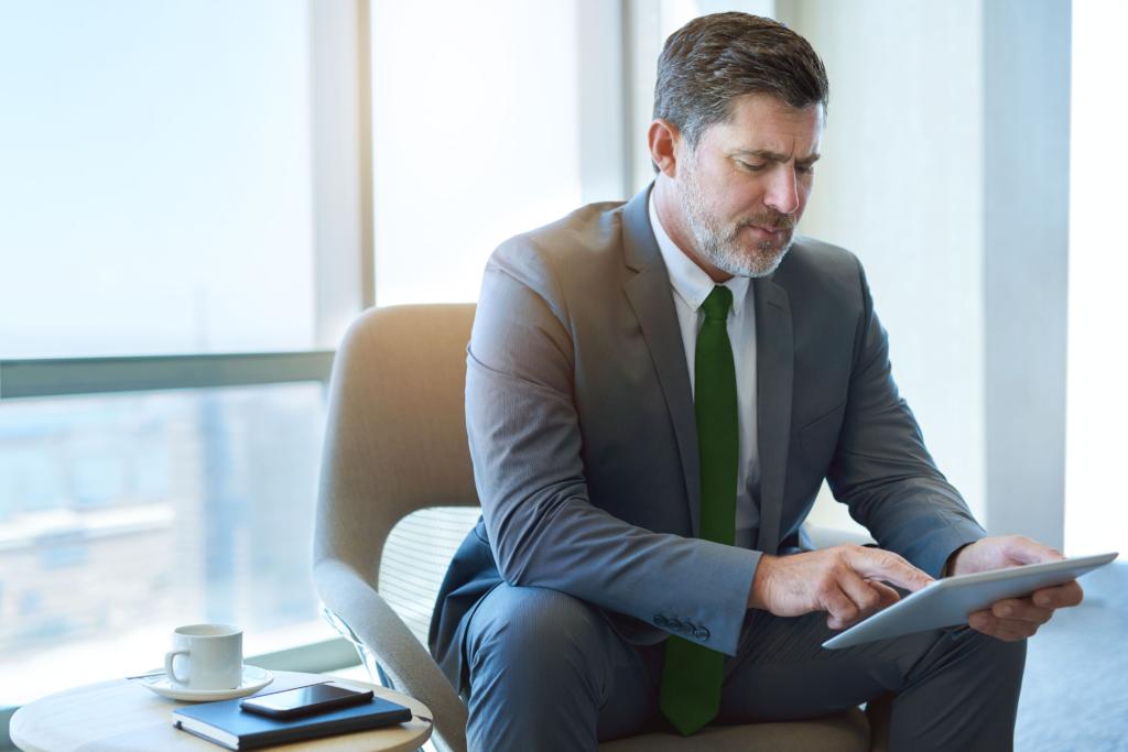 Man completing a NeuroSmart® Leadership Resilience Assessment